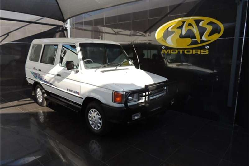 Toyota Venture 1800 6+4 1992