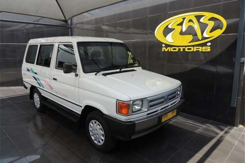 Toyota Venture 2.2 6+4 1994