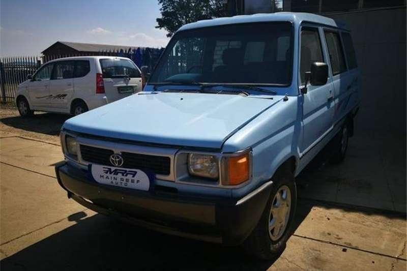 Toyota Venture 2.2 6+4 1995