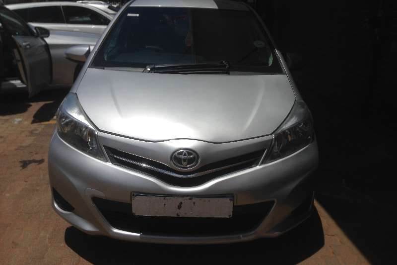 Toyota Yaris 1.0 2013