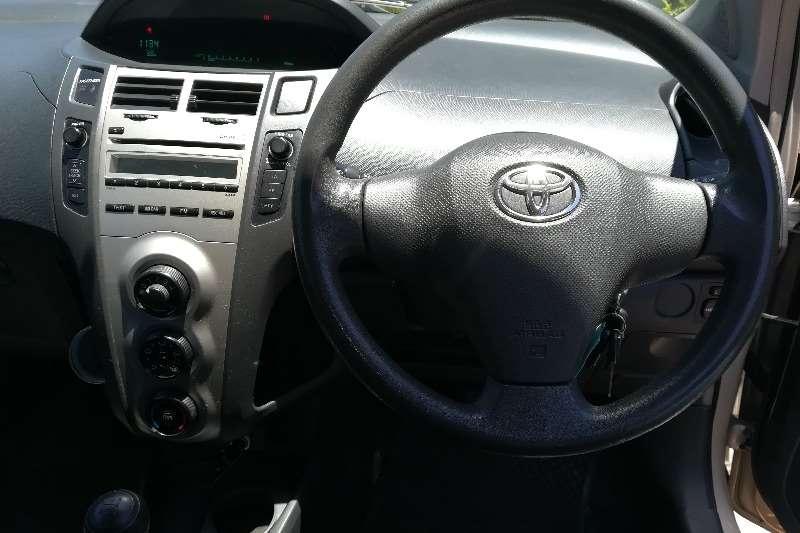 Toyota Yaris 1.0 3-door T1 2010