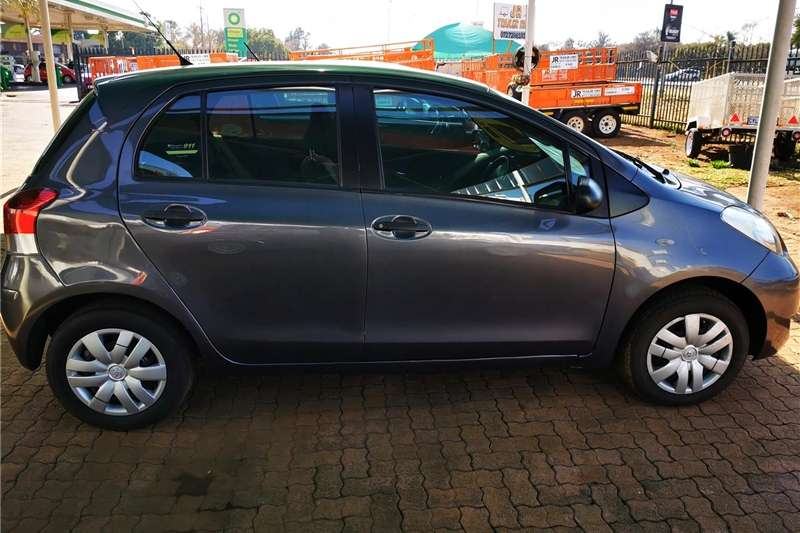 Toyota Yaris 1.0 5 door T1 2010