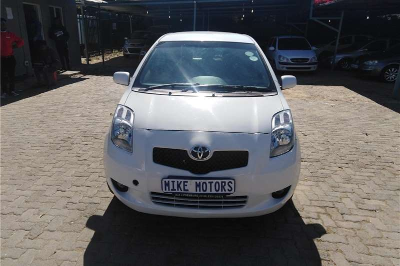 Toyota Yaris 1.0 5 door T1 (aircon+CD) 2007