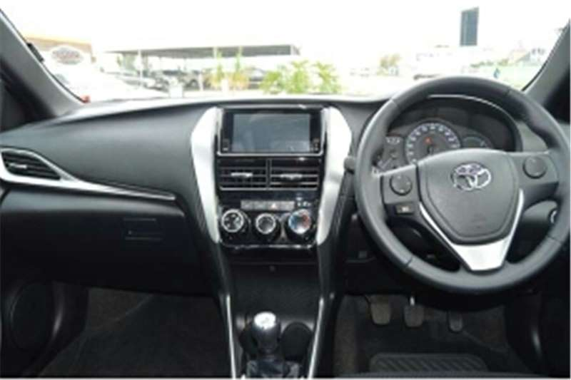 Toyota Yaris 1.0 5-door T1 (aircon+CD) 2018