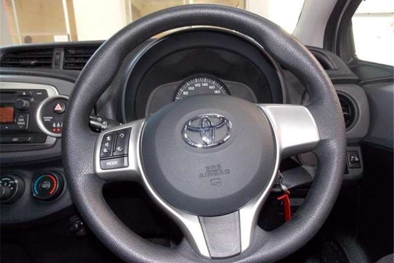 Toyota Yaris 1.0 T1 3-Door 2013
