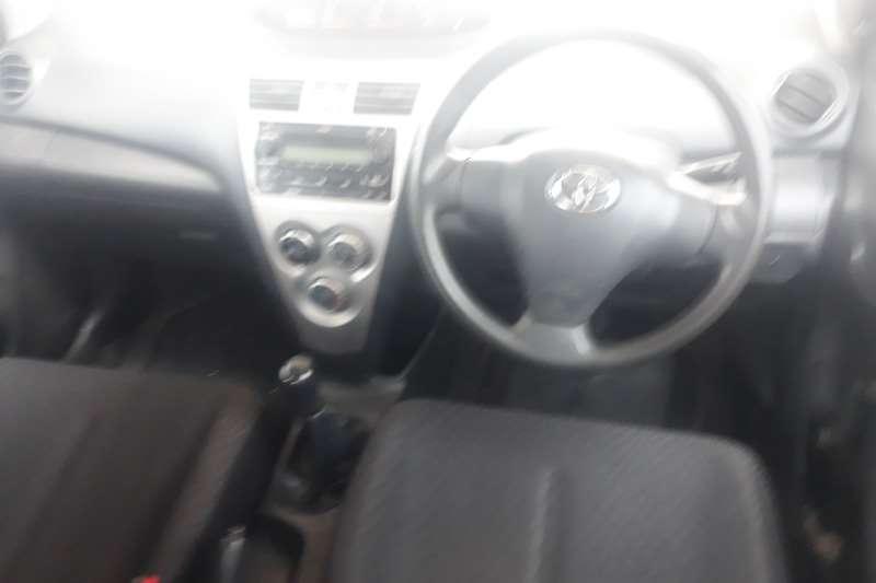 Toyota Yaris 1.3 2011