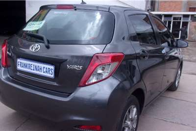 Toyota Yaris 1.3 2012