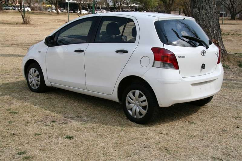 Toyota Yaris 1.3 5 door T3+ 2012