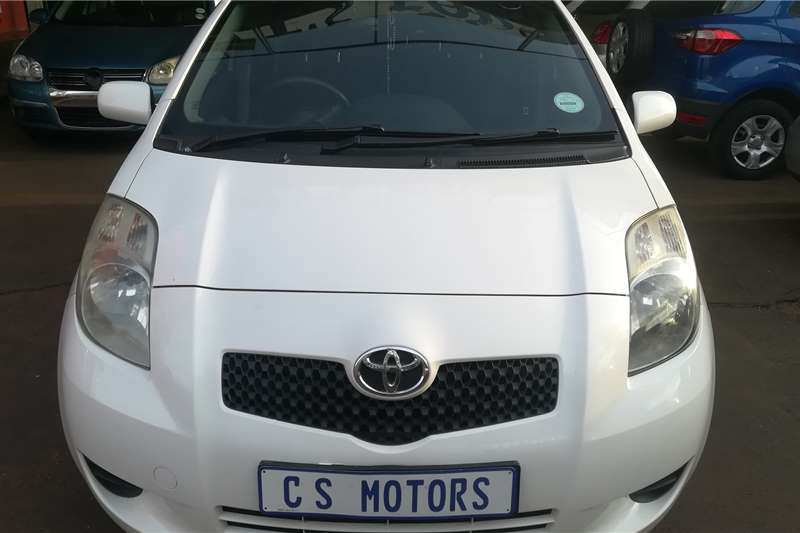 Toyota Yaris 1.3 5 door T3+ automatic 2009
