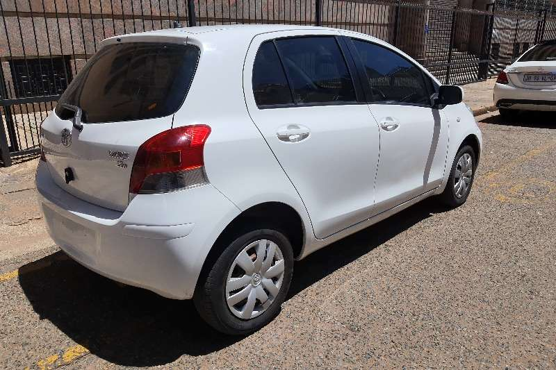 Toyota Yaris 1.3 5 door T3+ automatic 2010