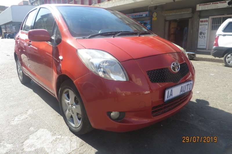 Toyota Yaris 1.3 5 door T3 Spirit 2006