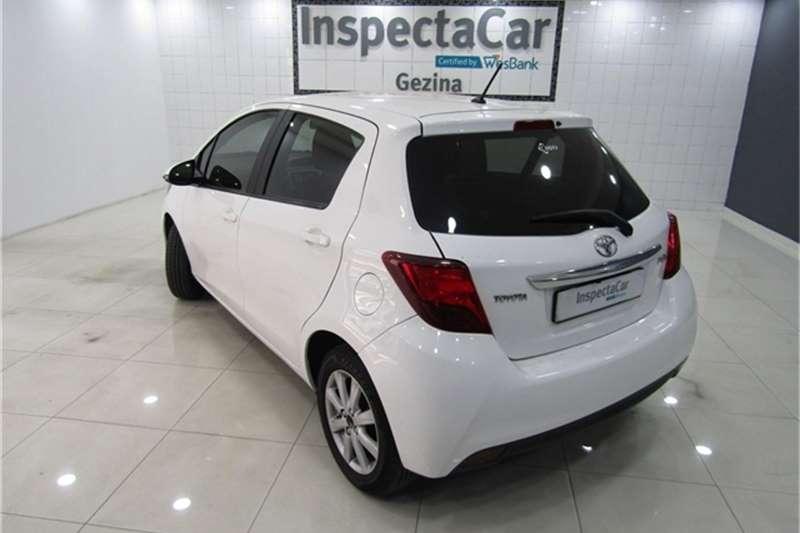 Toyota Yaris 1.3 auto 2015