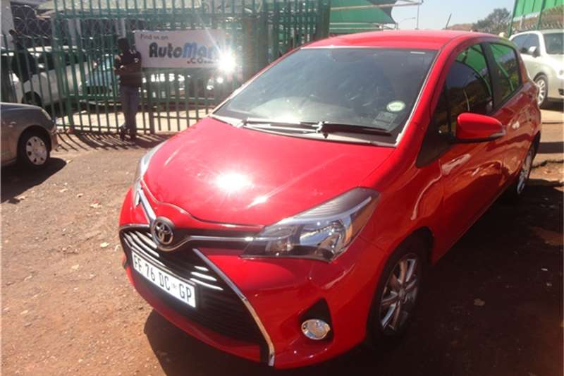 Toyota Yaris 1.3 Hatchback 2015