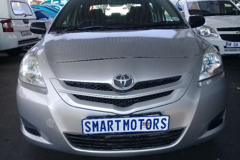 Toyota Yaris 1.3 sedan T3 2007