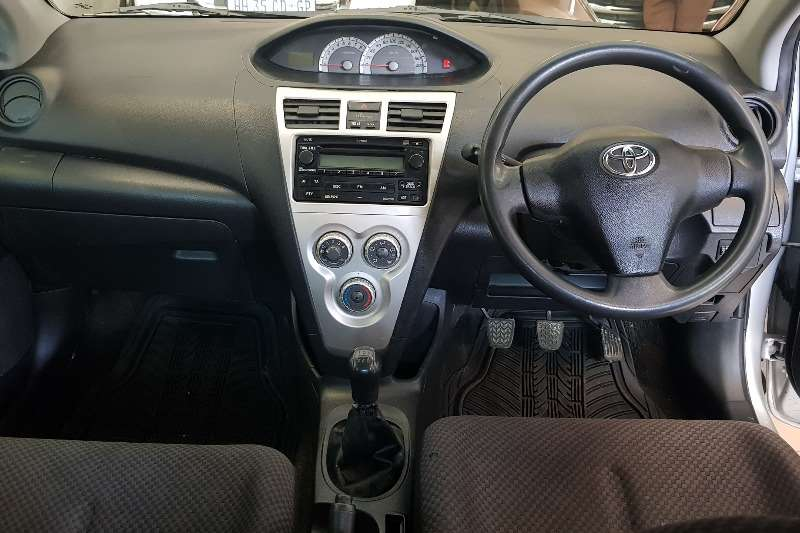 Toyota Yaris 1.3 sedan T3 2008