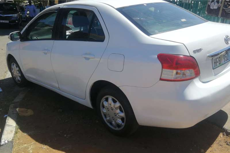 Toyota Yaris 1.3 sedan T3 2009