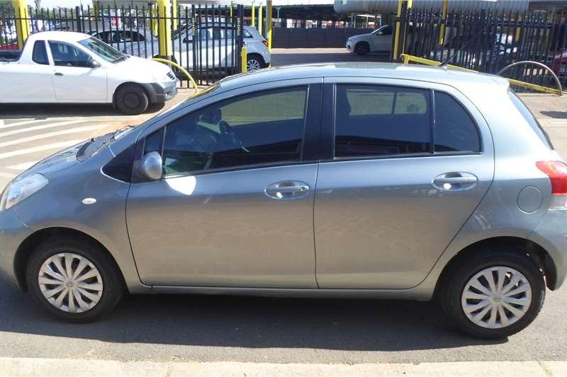 Toyota Yaris 1.3 sedan T3 2011