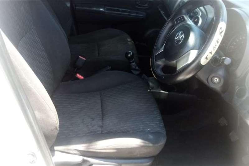 Toyota Yaris 1.3 T3 5-door 2013