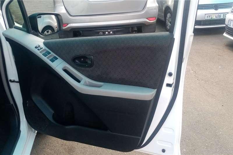 Toyota Yaris 1.3 T3+ 5 door automatic 2011