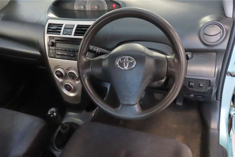 Toyota Yaris 1.3 T3 sedan 2009