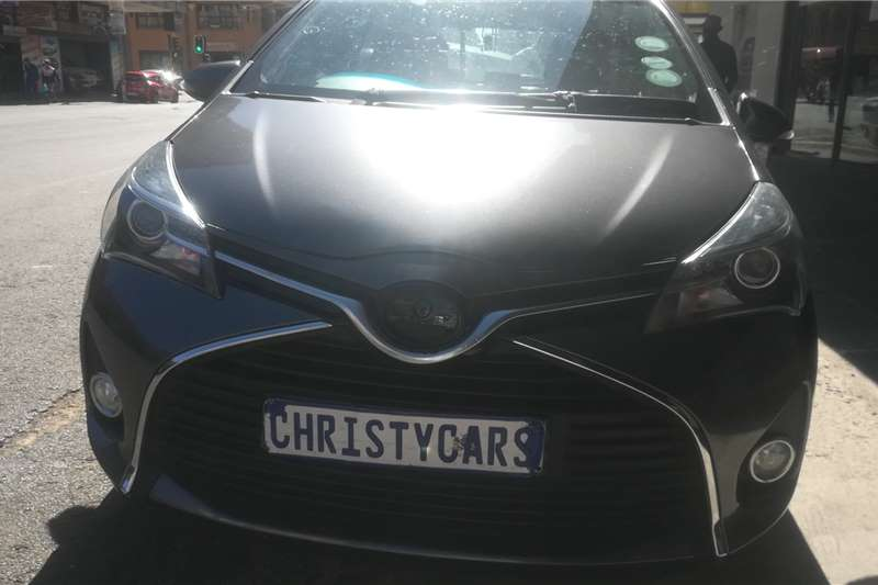 Toyota Yaris 1.5 Hybrid auto 2014