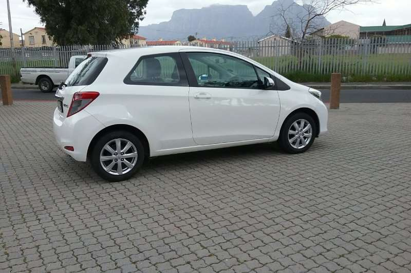 Toyota Yaris 3-door 1.0 XS 2013