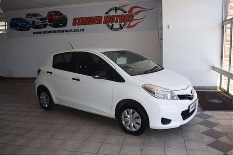 Toyota Yaris 5 Door 1.0 Xi 2013