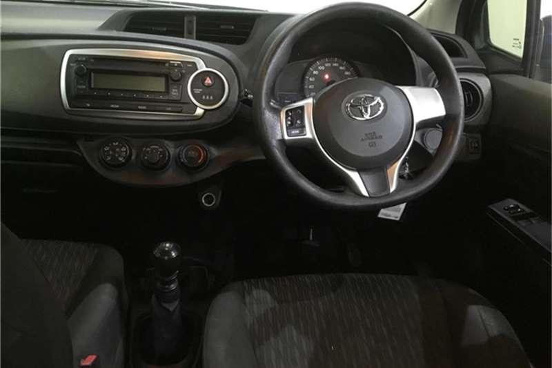 Toyota Yaris 5-door 1.3 Xi 2012