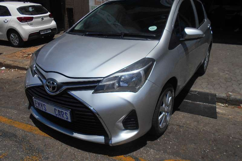 Toyota Yaris 5 door 1.3 Xi 2015