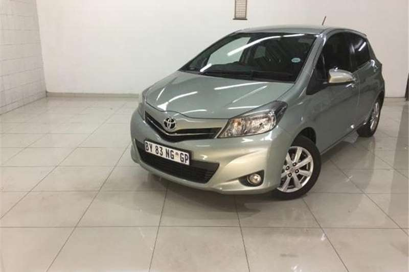 Toyota Yaris 5 Door 1.3 XR 2012