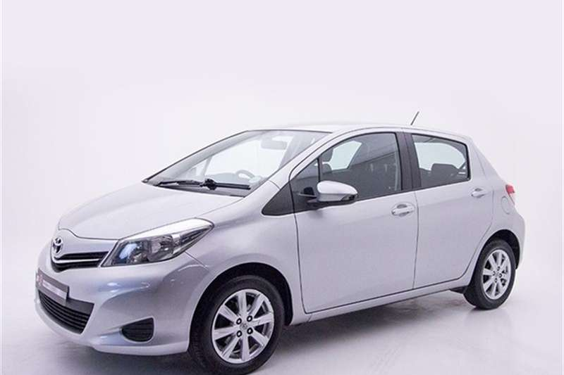Toyota Yaris 5 door 1.3 XS 2013