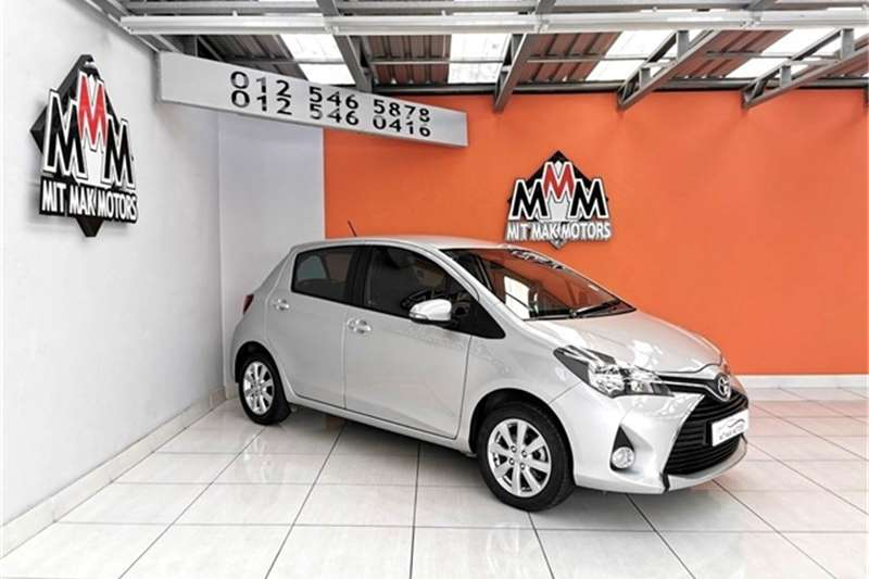 Toyota Yaris 5 door 1.3 XS 2017