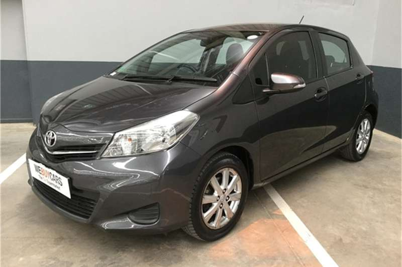 Toyota Yaris 5 door 1.3 XS auto 2012