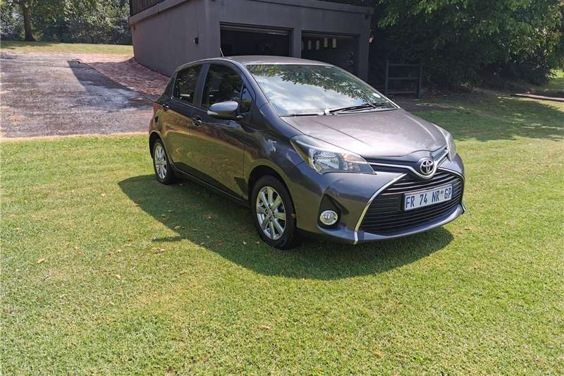 Toyota Yaris 5 door 1.3 XS auto 2015