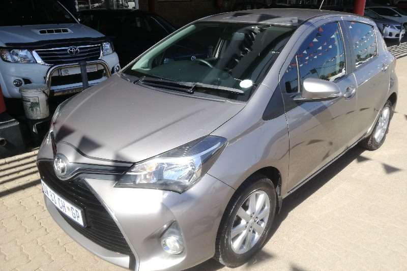Toyota Yaris 5 door 1.3 XS auto Clean!! 2015