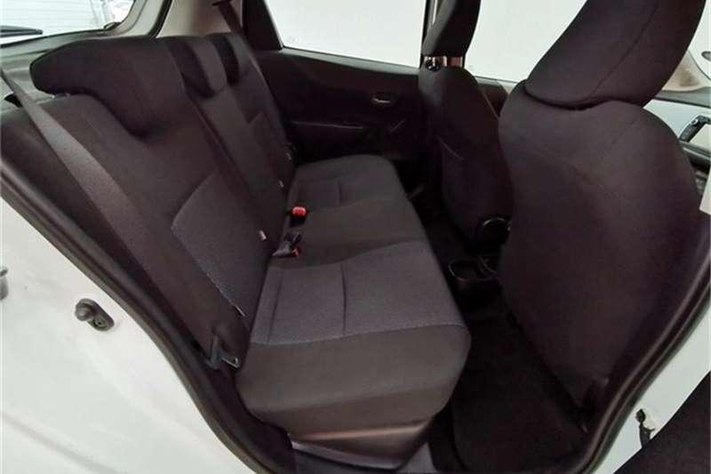 Toyota Yaris 5-door XR HSD 2014