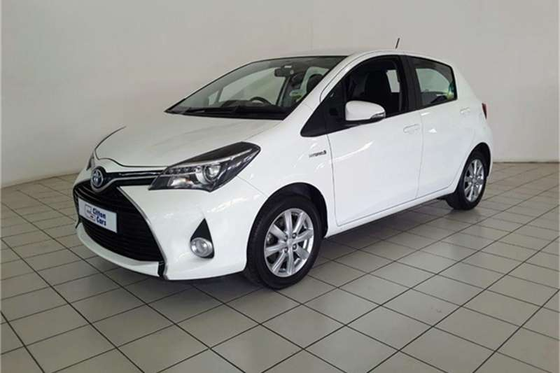 Toyota Yaris 5 door XS HSD 2015