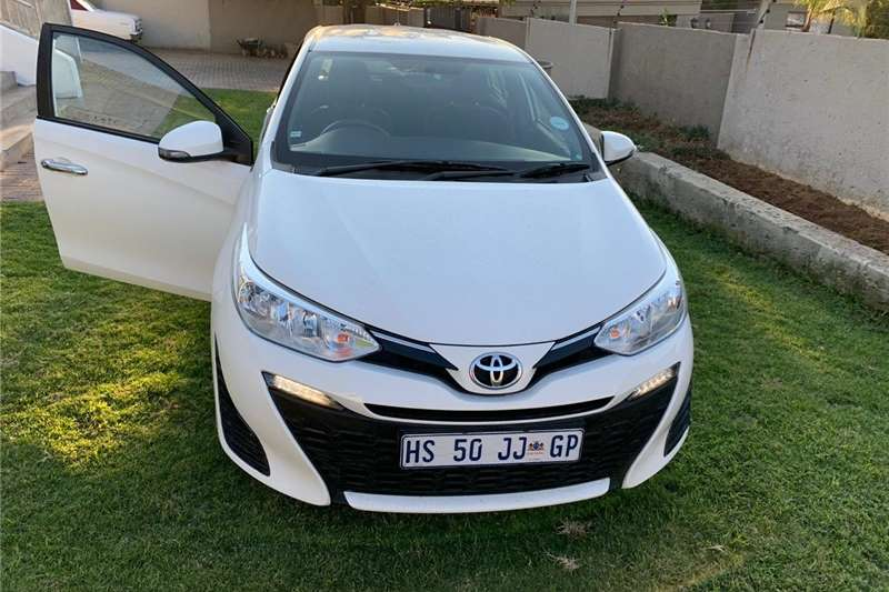 Toyota Yaris 5 door XS HSD 2018