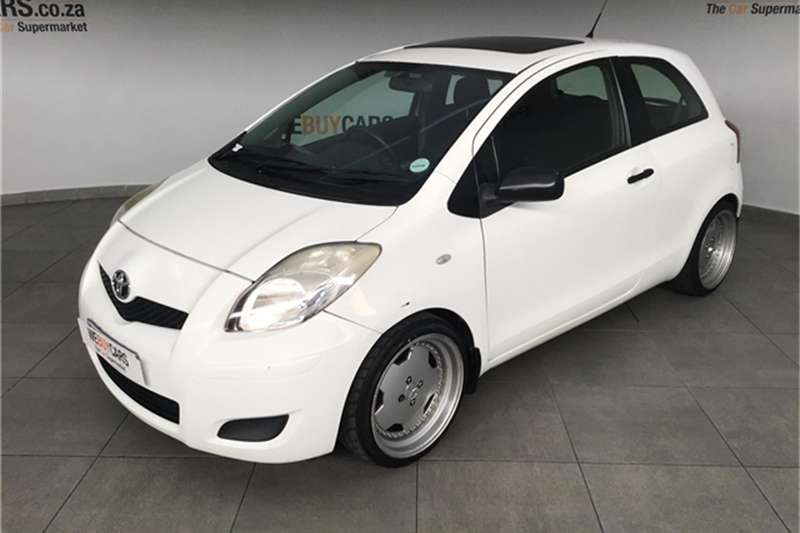 2010 Toyota Yaris 1.0 3 door T1 (aircon+CD)