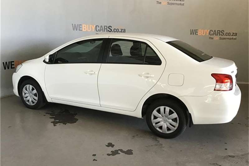 Toyota Yaris sedan 1.3 Zen3 Plus auto 2013