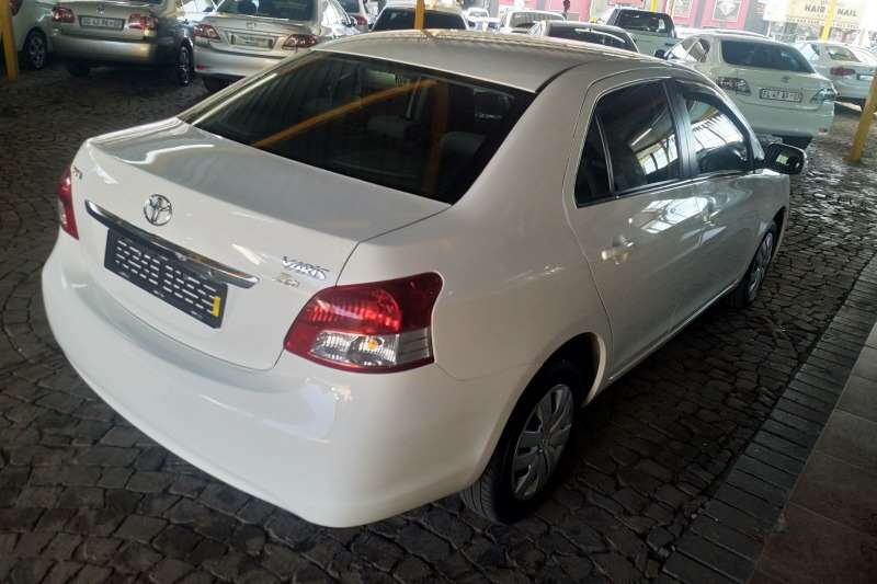 Toyota Yaris sedan Zen3 2012
