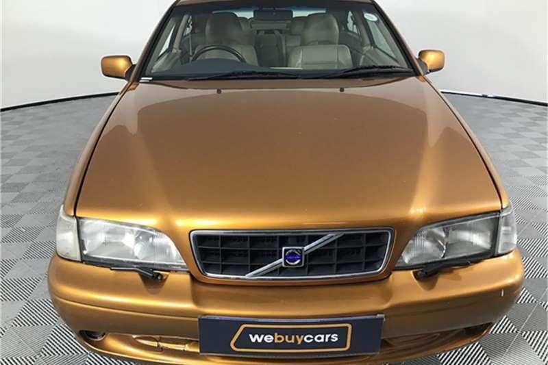 Volvo C70 2001