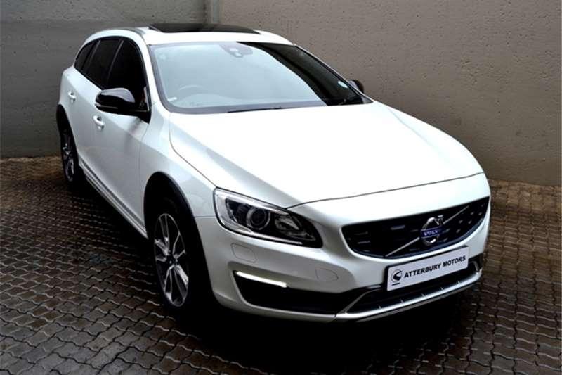 2016 Volvo Cross Country V60  D4 AWD Momentum
