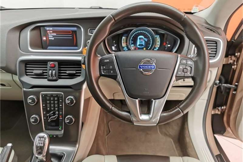 2014 Volvo Cross Country