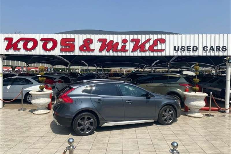 2014 Volvo Cross Country V40 Cross Country D3 Excel
