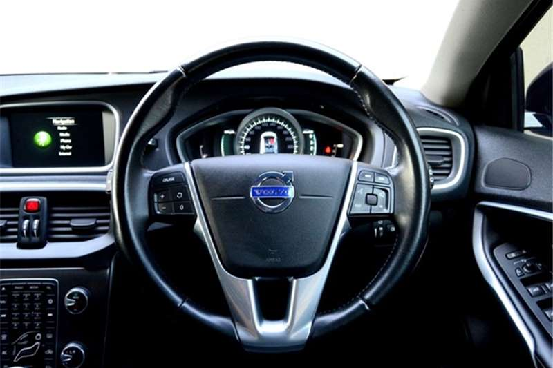 Volvo Cross Country V40 Cross Country D4 Excel 2014