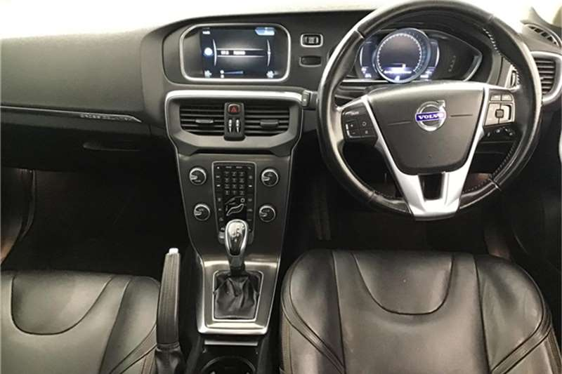 Volvo Cross Country V40  D4 Elite 2014