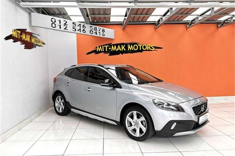 Volvo Cross Country V40  T4 Excel auto 2013