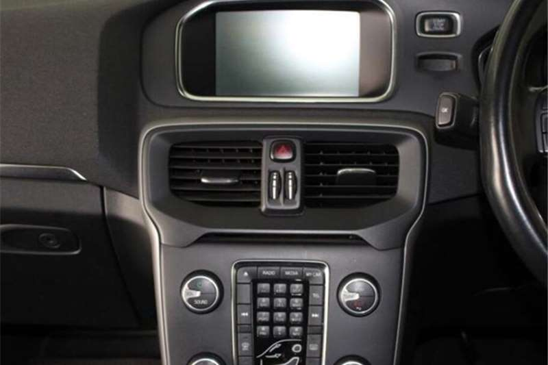 Volvo V40 D2 Excel 2014
