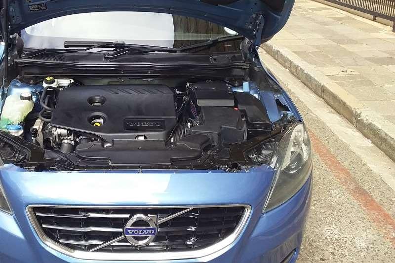 Used 2015 Volvo V40 D2 Momentum